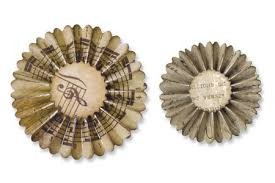 Sizzlits Decorative Strip Die - Mini Paper Rosettes (2 Sizes) by Tim Holtz - P